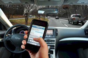 6357709927515511911248818647_texting-driving-imgopt1000x70